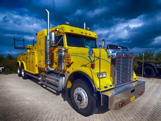truck-flip533x400.jpg