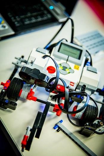 robot-350x526.jpg