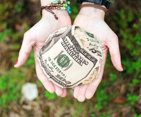 money-hands-480x400.jpg